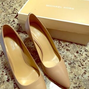 Michael Kors Women's 8.5 Nude Pumps